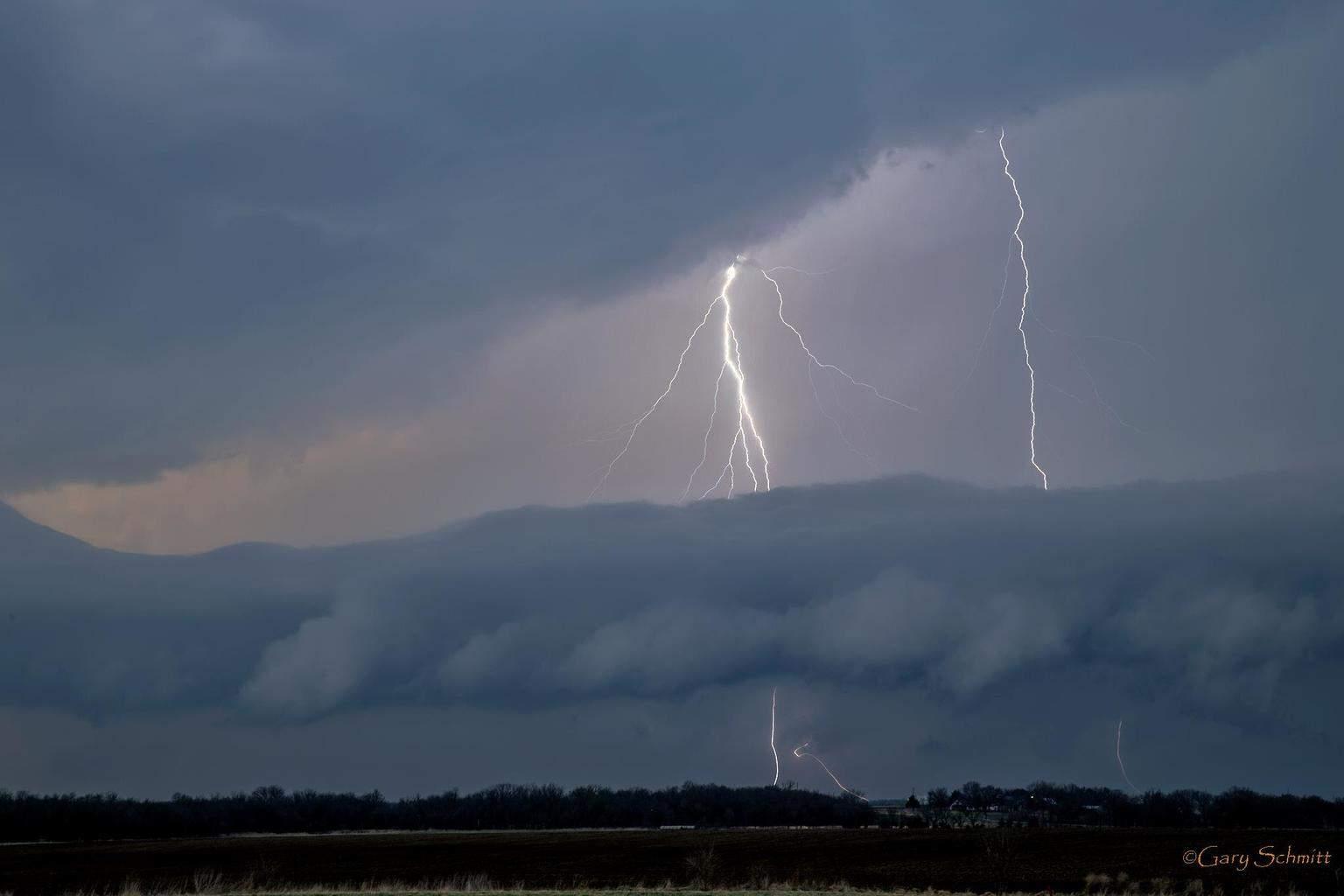 Chanute Ks. lightning last April 2014