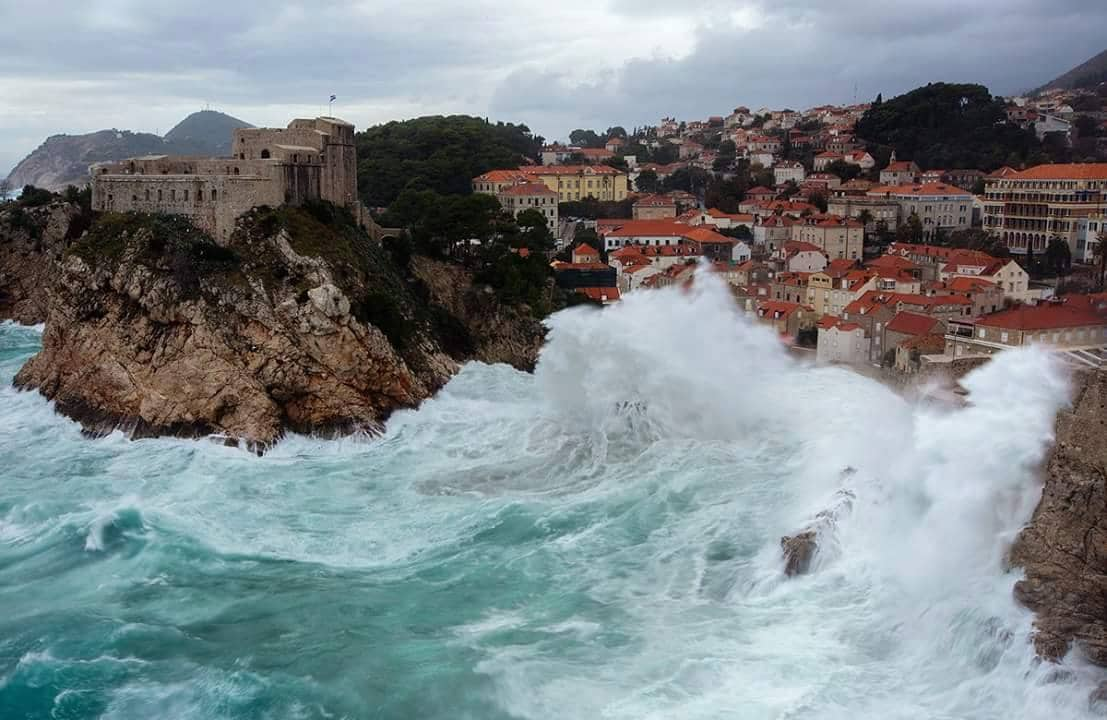 Rarely seen wind storm in adriatic resulted in rarely seen waves hitind Dubrovnik area....
