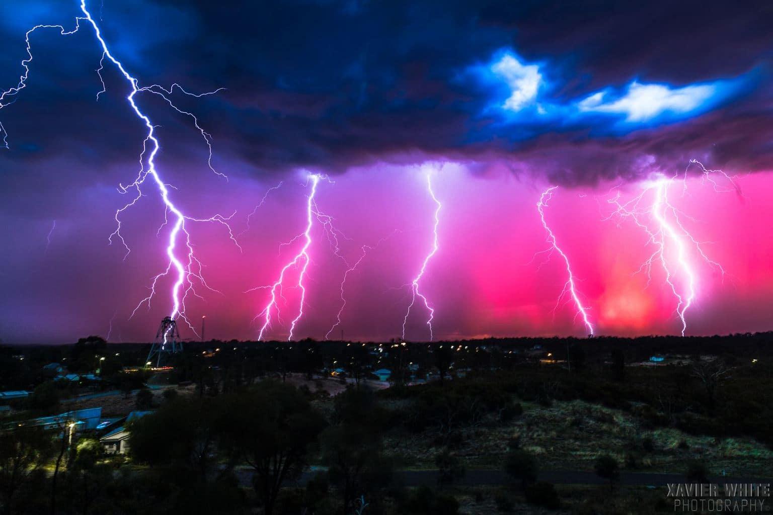 Lightning Sunset' Canon 6D | Canon 24 - 105L | 24mm | ISO 50 | F8 | 30 sec | Bendigo, Victoria Australia | 15.2.15