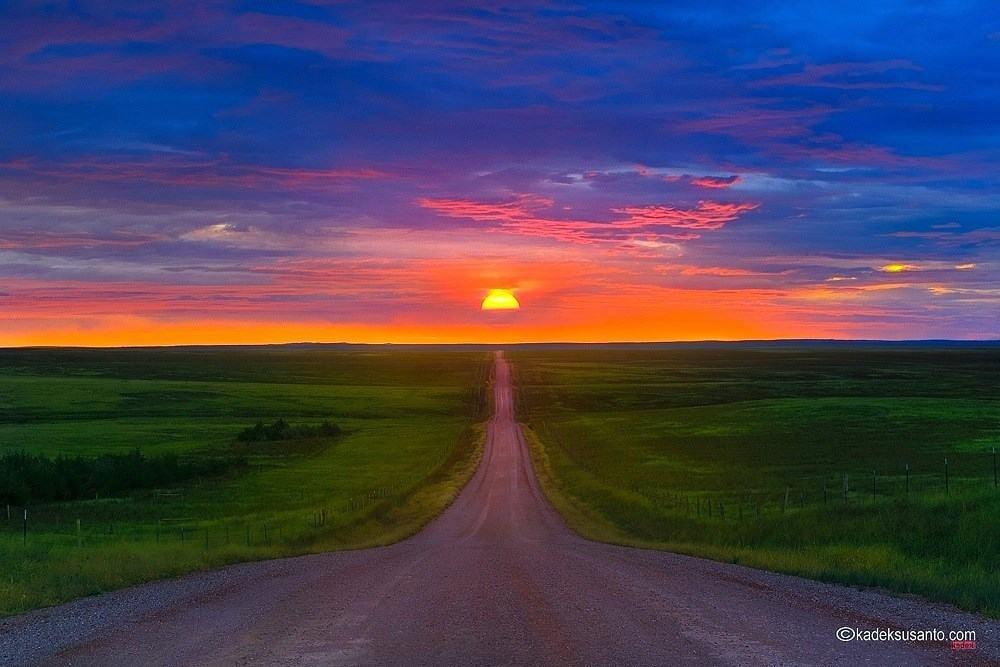 ROAD TO THE SUN '' South Dakota early morning