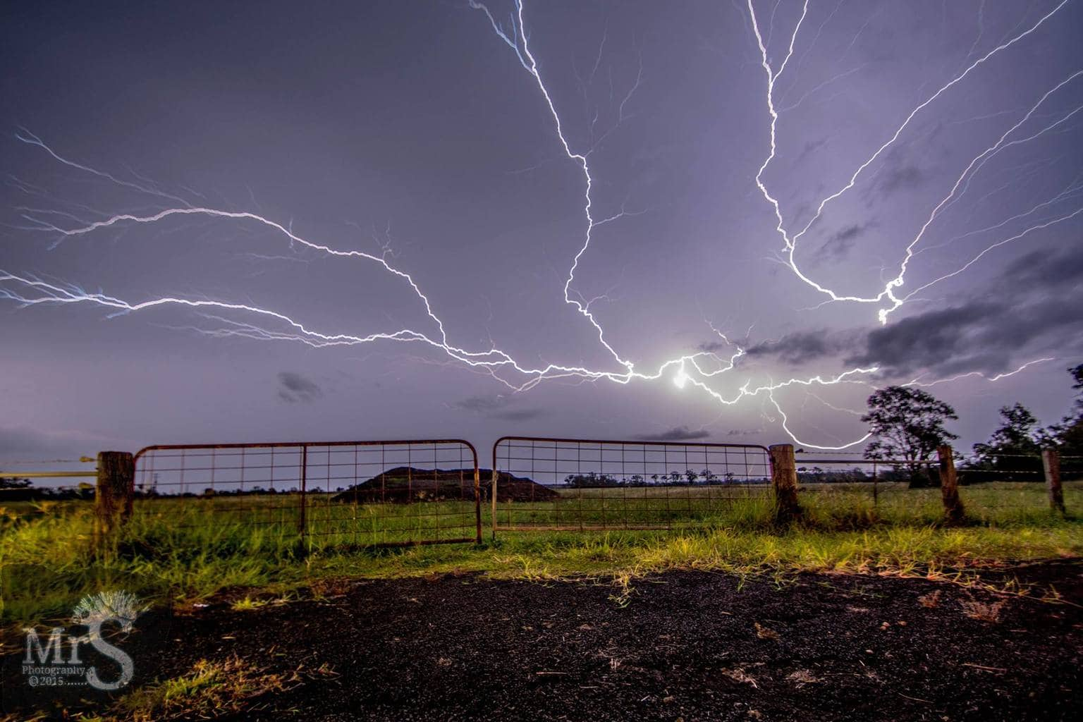 Well after chasing since midnight last night I finally caught this cell as it passed Rosewood Australia. The wind was annoying but I still got some cool shots.