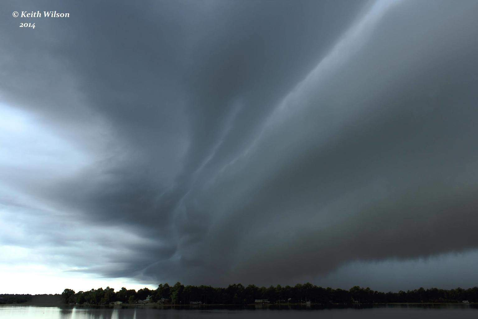 A magical moment from 2013 as this awesome shelf preceded a rather weak storm in the Florida Panhandle.