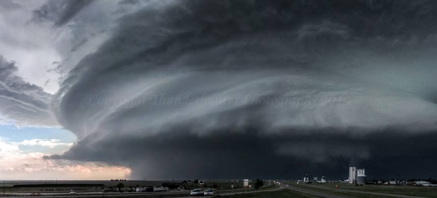 The Rings of Saturn supercell - June 2nd, 2005. East of Limon, Colorado.
