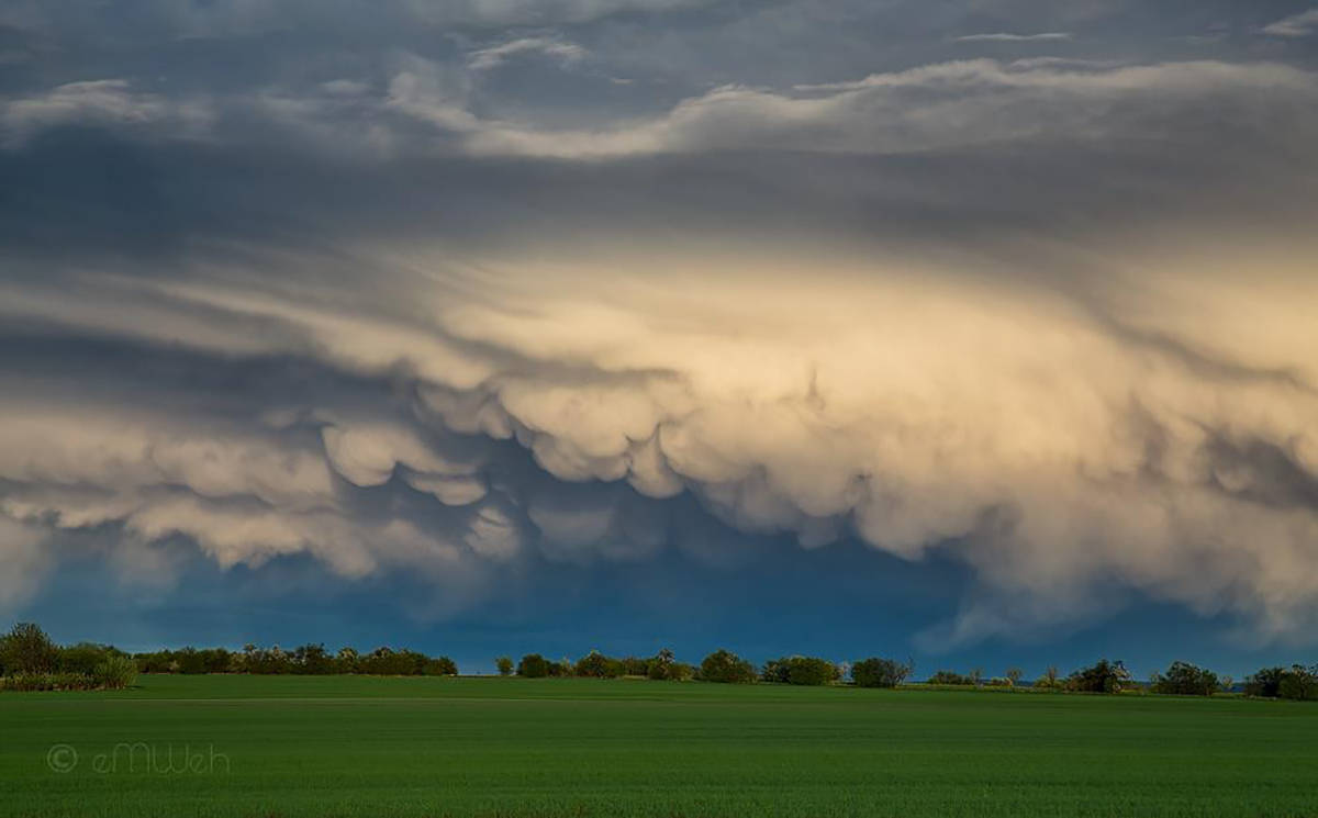 Mammatus are so beautiful, aren't they? Central Germany, April 2014.