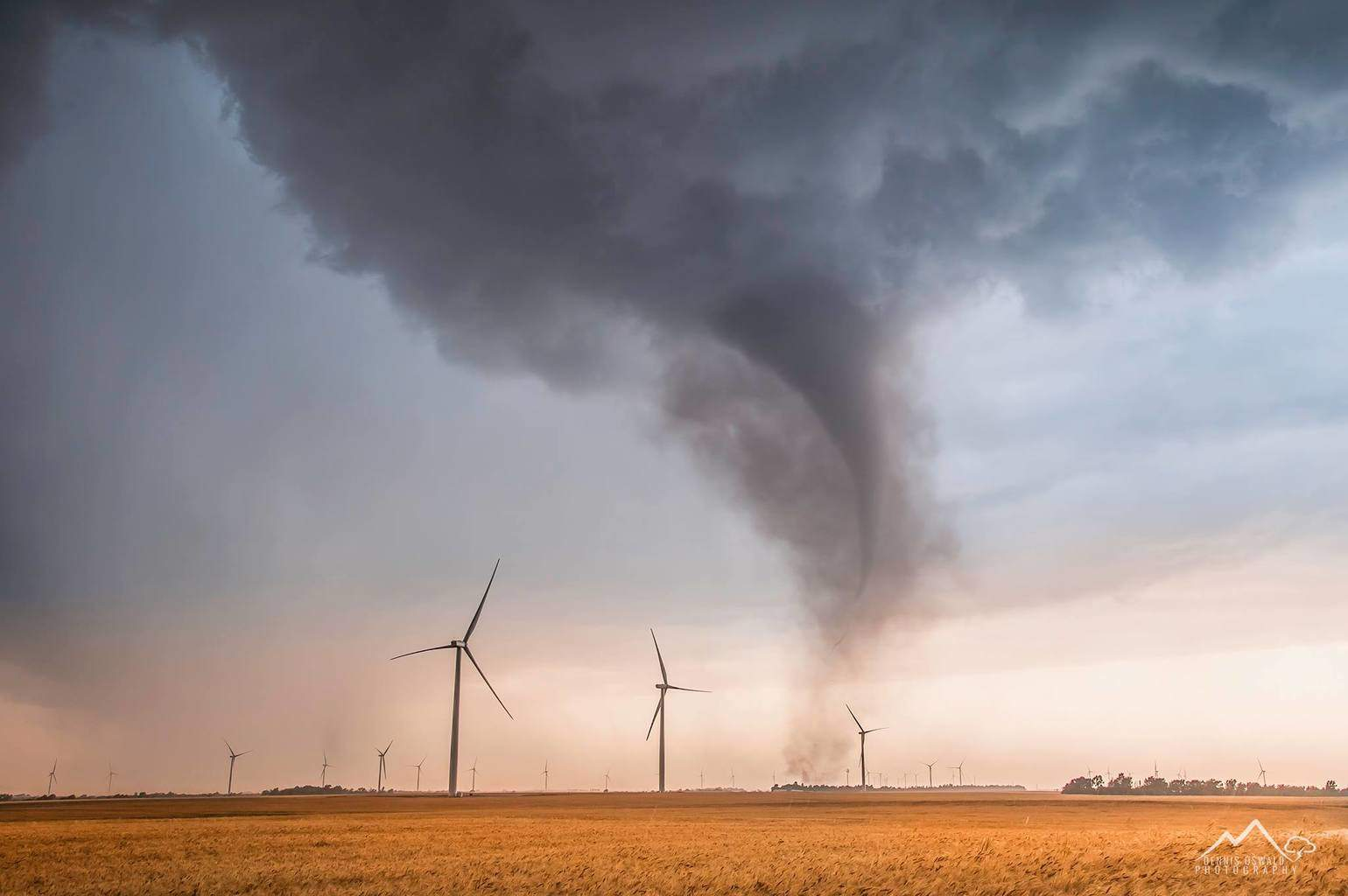 The Rago,KS tornado is gaining its power. Some windmills will not survive this EF3 rated twister on May 19th 2012.  We could watch almost the entire lifecycle over 30 minutes.