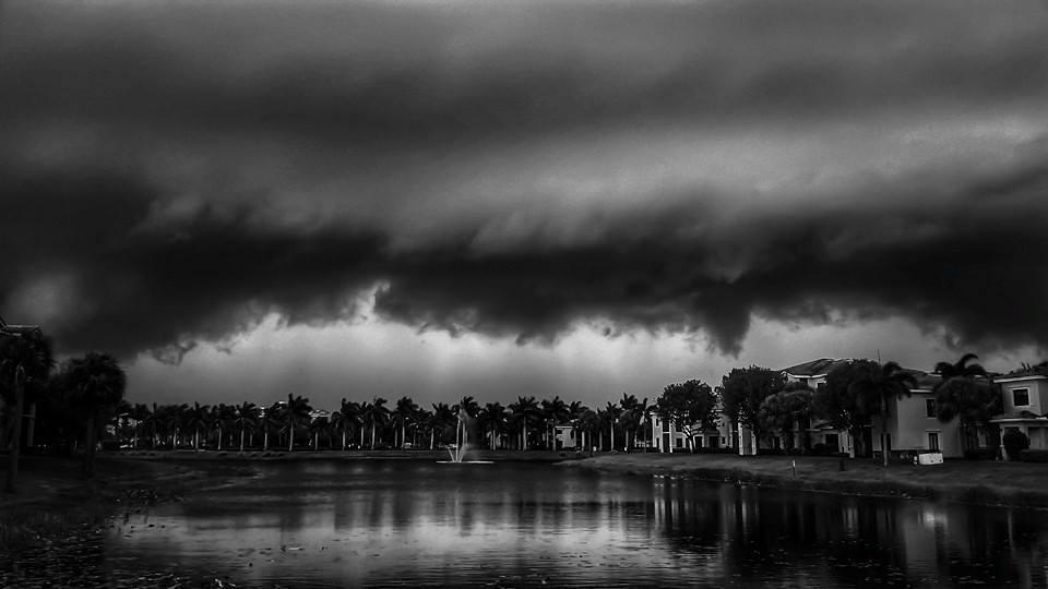 Shelf cloud barrelling over Palm Beach Gardens, Fl/B&W