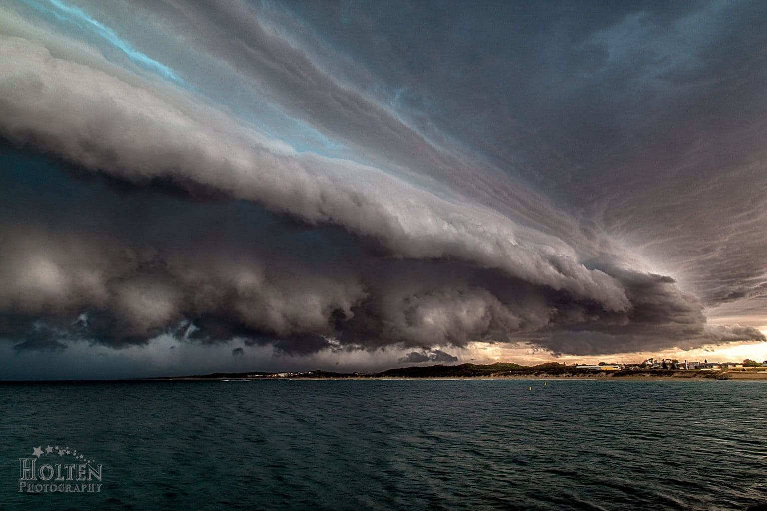 My first real storm chase and I was lucky to get this beauty of a shelf cloud as she crossed the coast north of Perth WA in a lil coastal town called Port Dennison. 01.02.2015