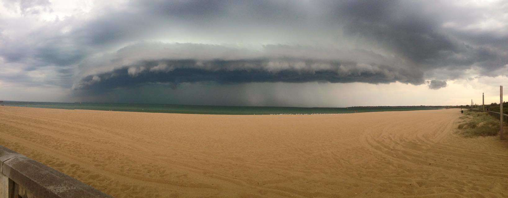 I captured this Shelf cloud at Mordiallioc, Melbourne, on Friday 13 February.