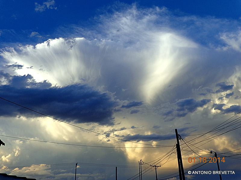 If you don´t have a vehicle, to take a nice weather photo becomes a hard work sometimes... But Mother Nature always gives you the chance... A cumulonimbus and all its beauty... This photo was taken from home... Santiago del Estero, Argentina