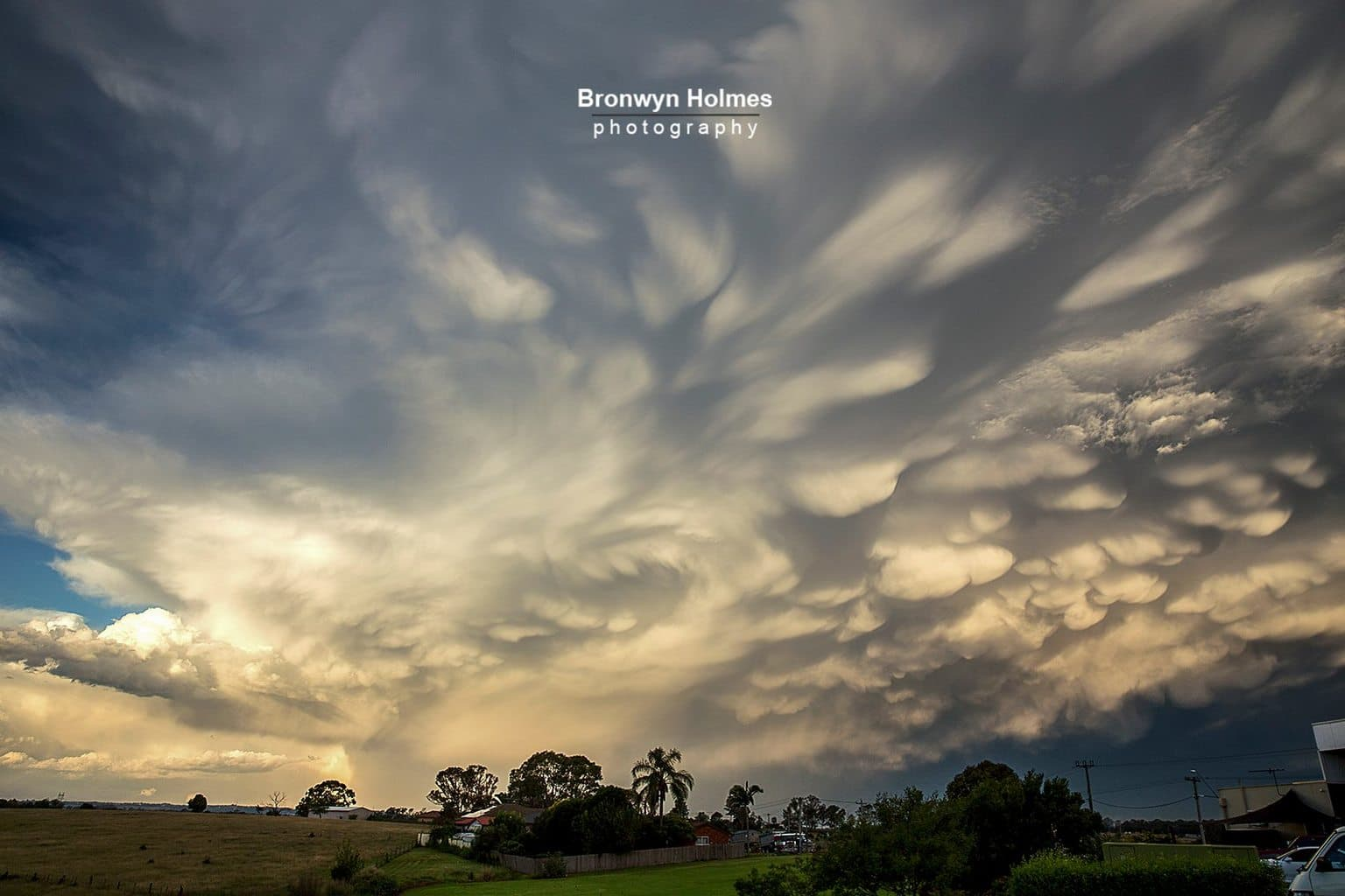 My very first mammatus!!!!!!! In Australia! I'm am so very excited. Never thought I would see anything as awesome as I did today. After the mass storms and flooding this past week I was not expecting more storms so soon and so epic and out of storm season!