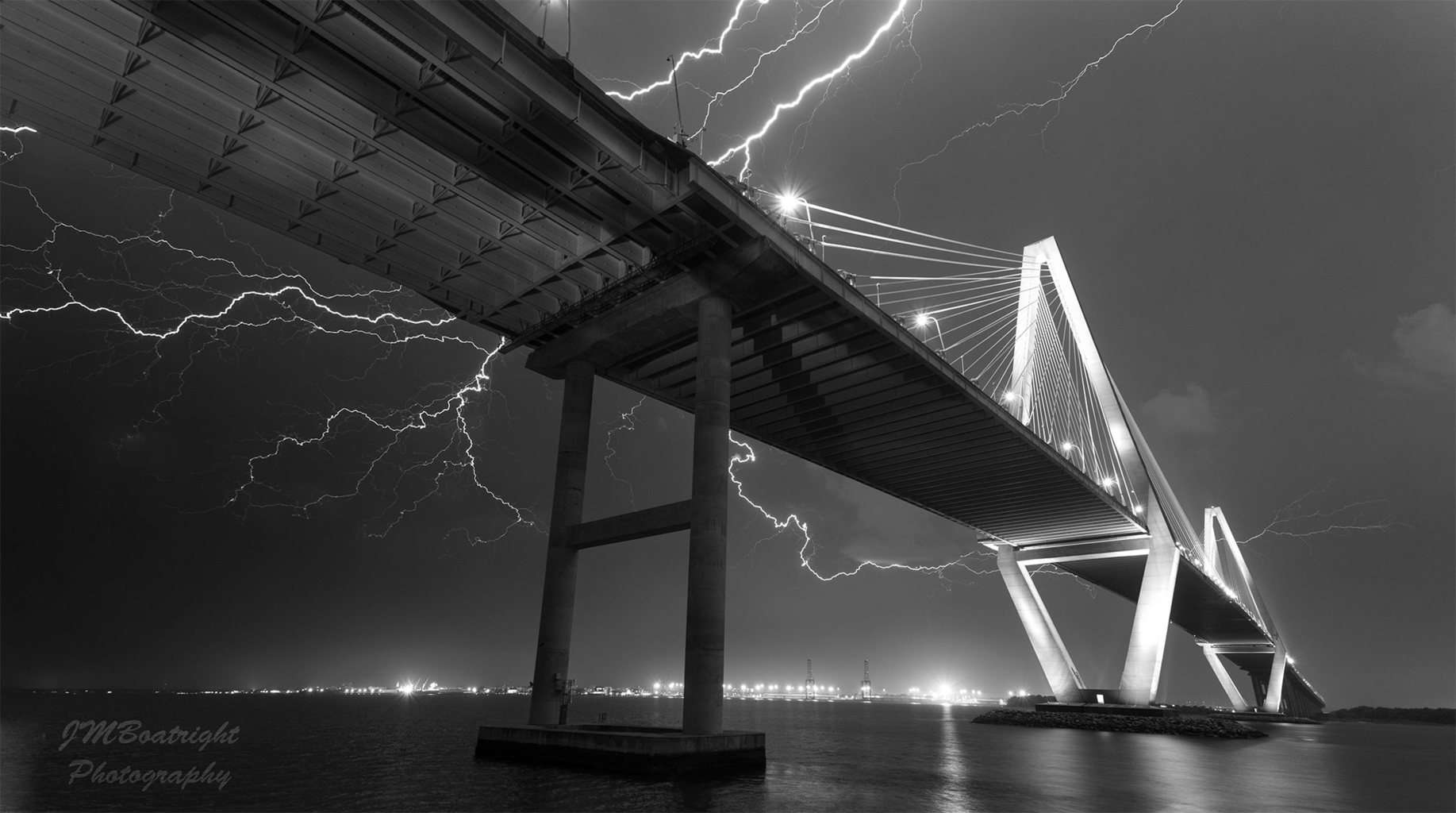 Some awesome lightning in Charleston, SC last night 4-25-15