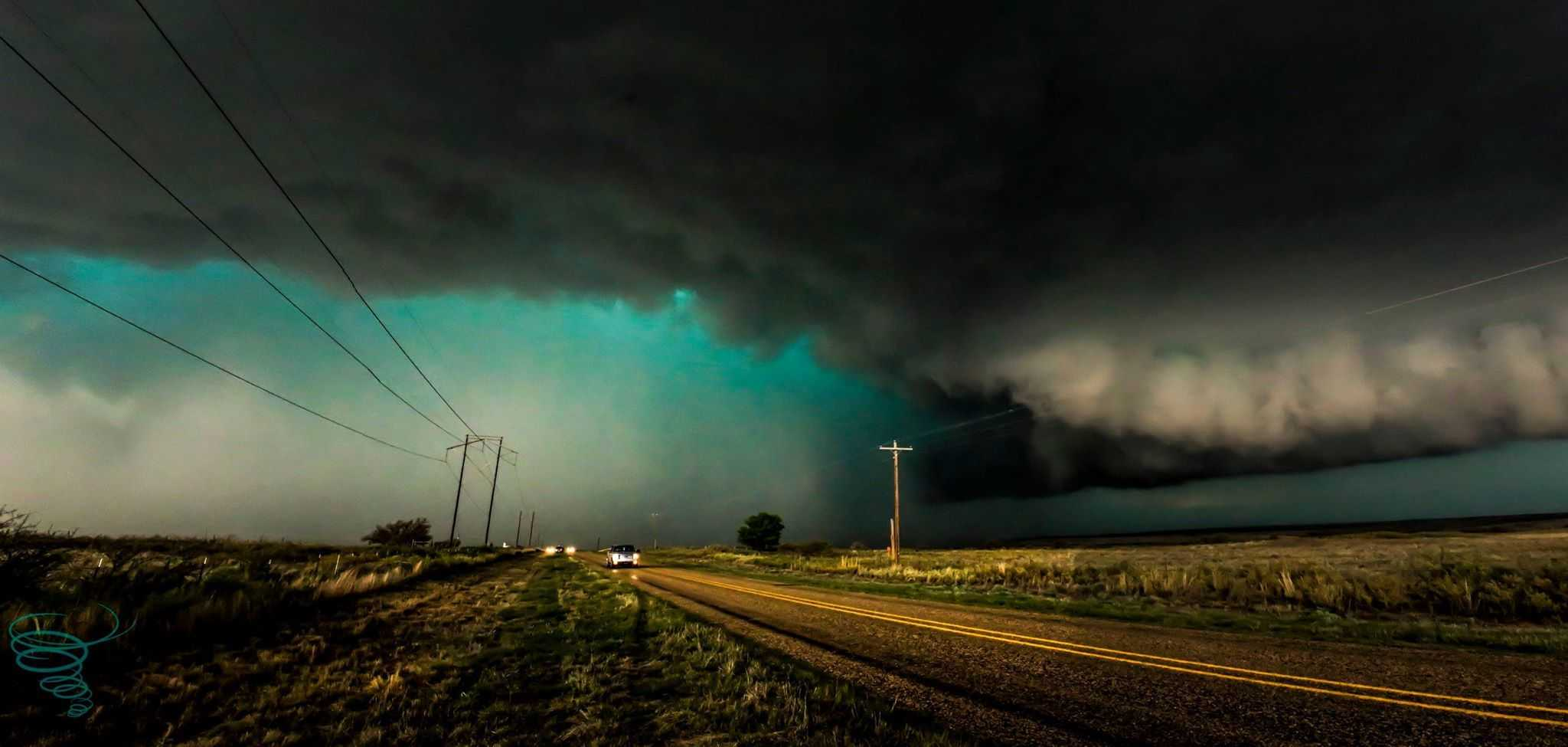 A tornado warned HP supercell bears down on Kellerville, Texas as storm chasers race to stay ahead of the storm's rain/hail core on April 16, 2015.
