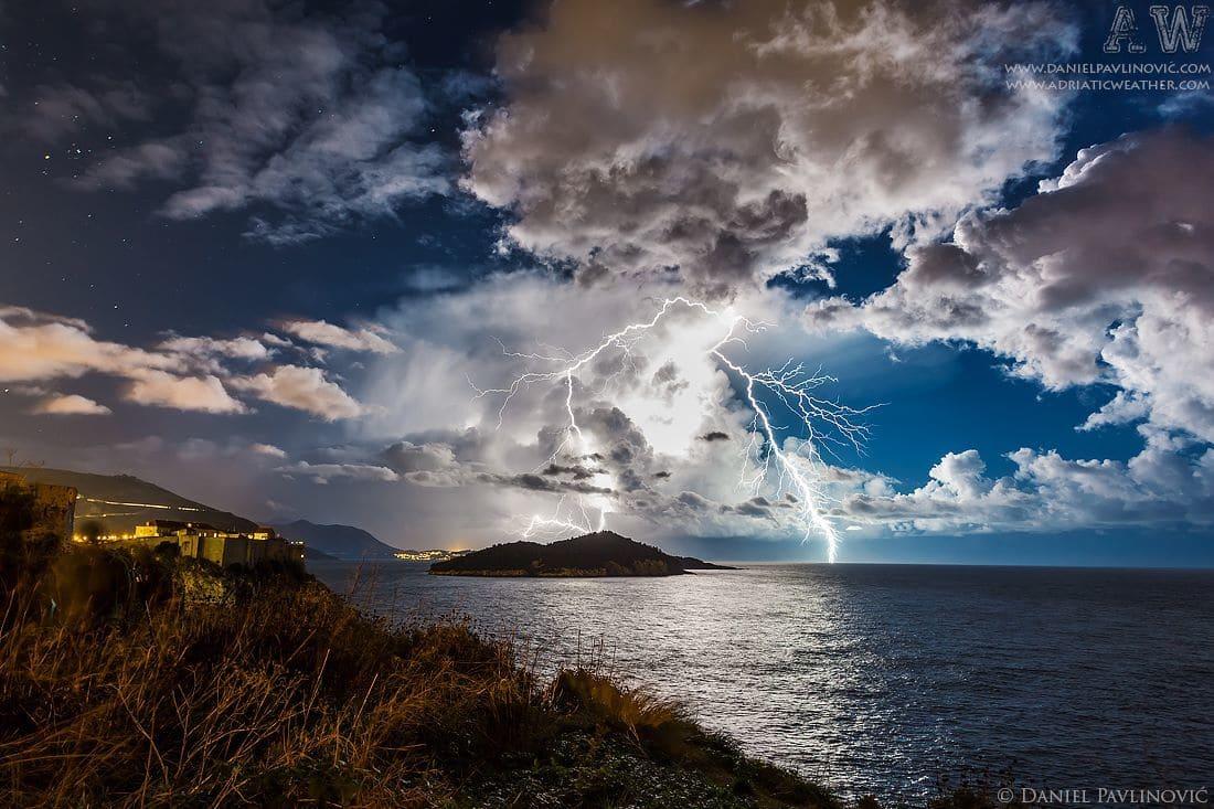 Isolated cumulonimbus with frequent positive CG-s in Dubrovnik, Croatia, 17 Dec 2014.