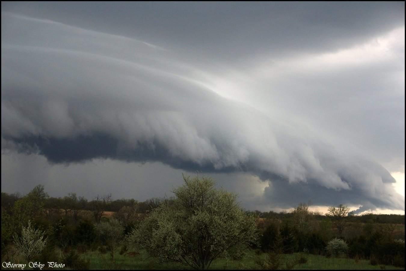 Inbound! Wicked shelf cloud coming through.