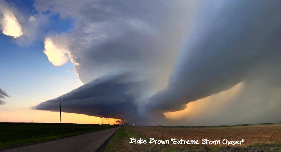 The structure of the LP supercell near Lockney TX was perfect.