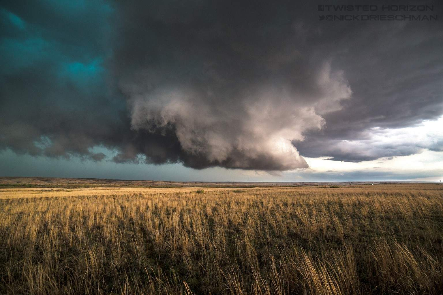 A beautiful scene on a tornado warned storm near Pampa Texas yesterday 4-16-2015