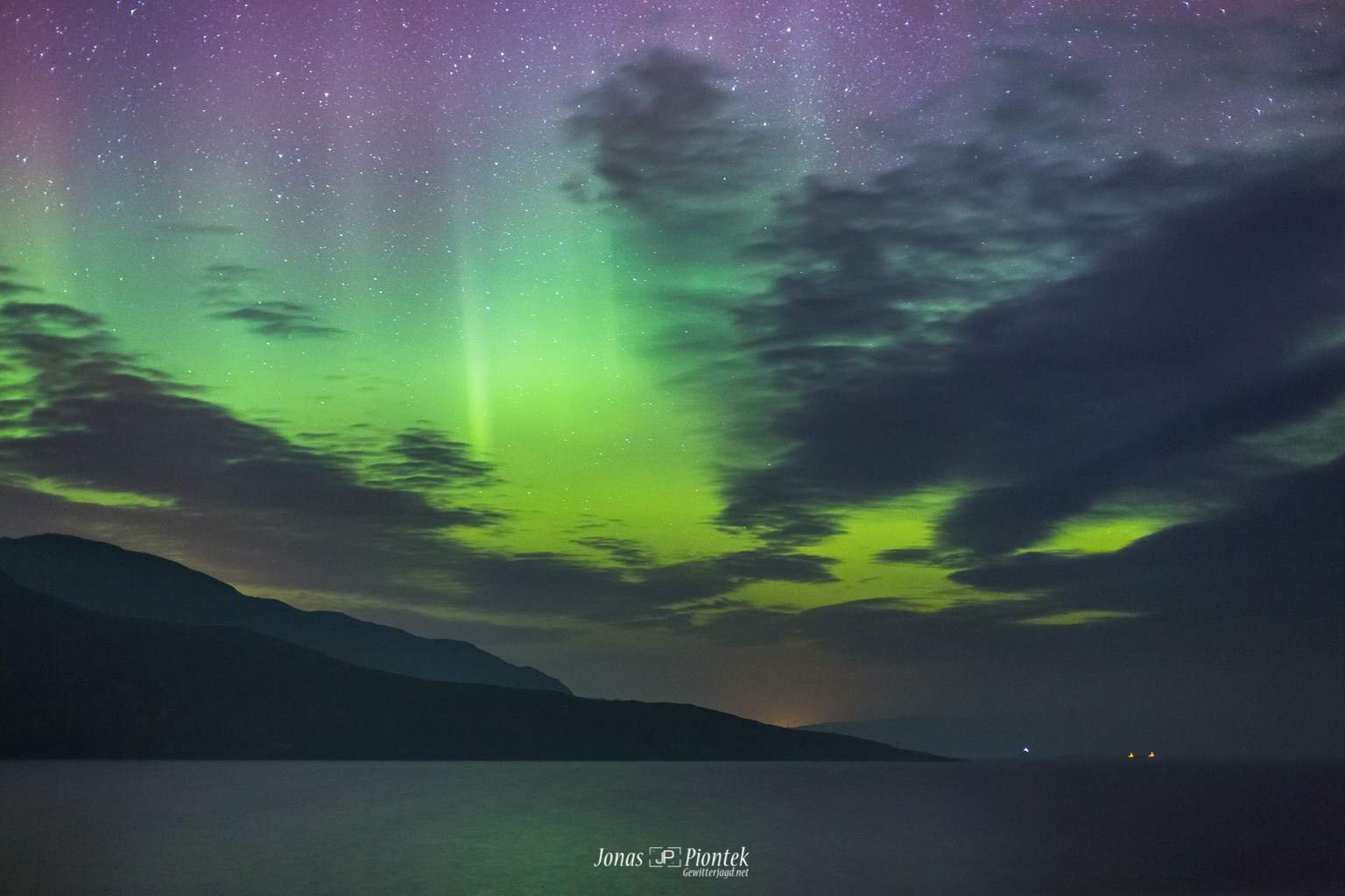 Beautiful and bright Aurora Display over the Isle of Skye in NW Scotland. It's an amazing place to go, trust me!