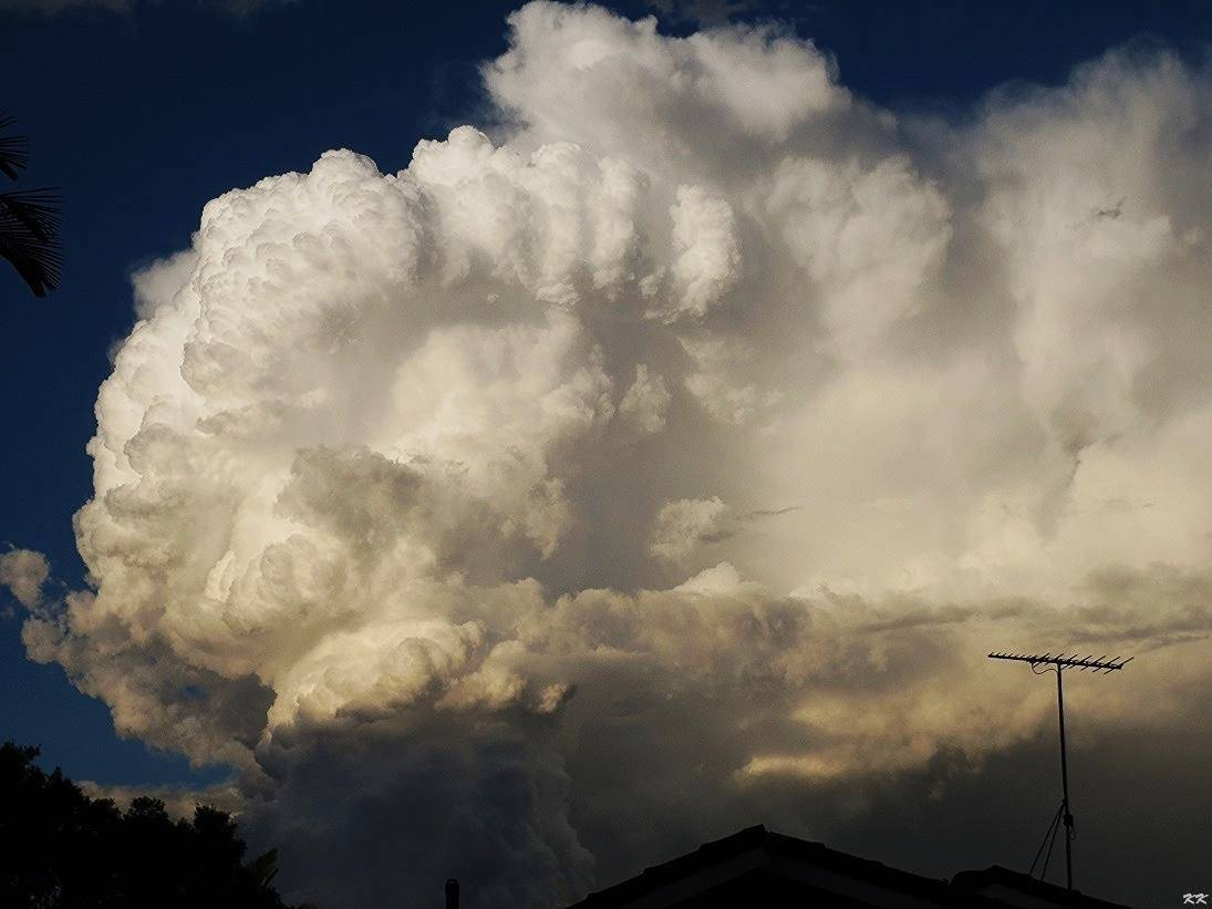 Boiling mass of supercell action - Brisbane, Australia 31st Jan 2015. I went through 3 rounds of hail and copped some hail bruises. Most were golf ball size, some up to tennis ball size.