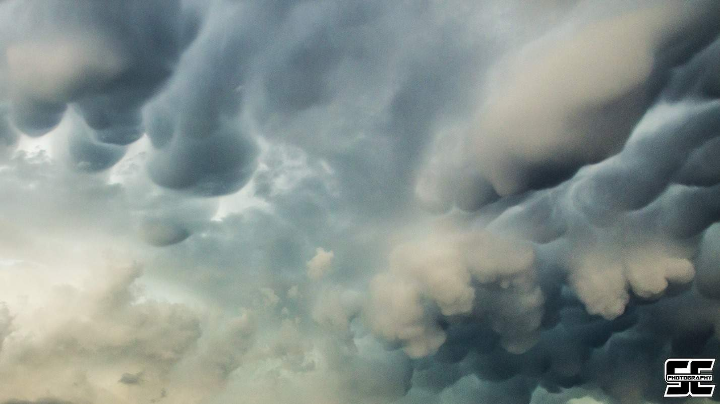 Jaw-dropping mammatus associated with an tornadic supercell near Moore, OK back on March 25th.