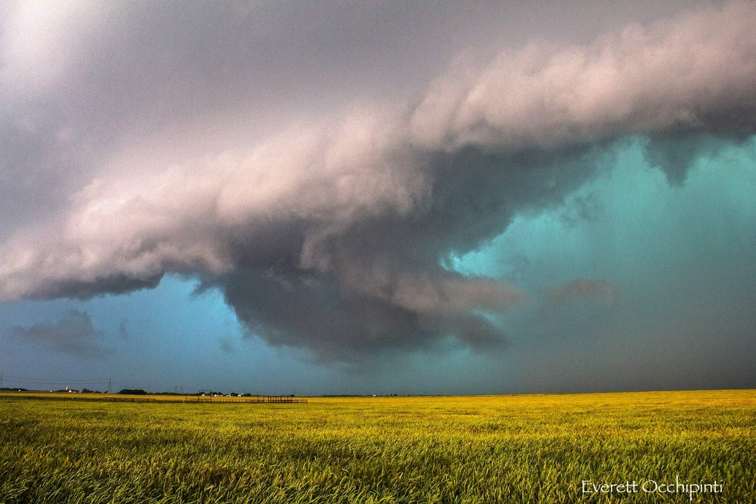 Incredible tornado warned storm near Electra, TX on May 8th.