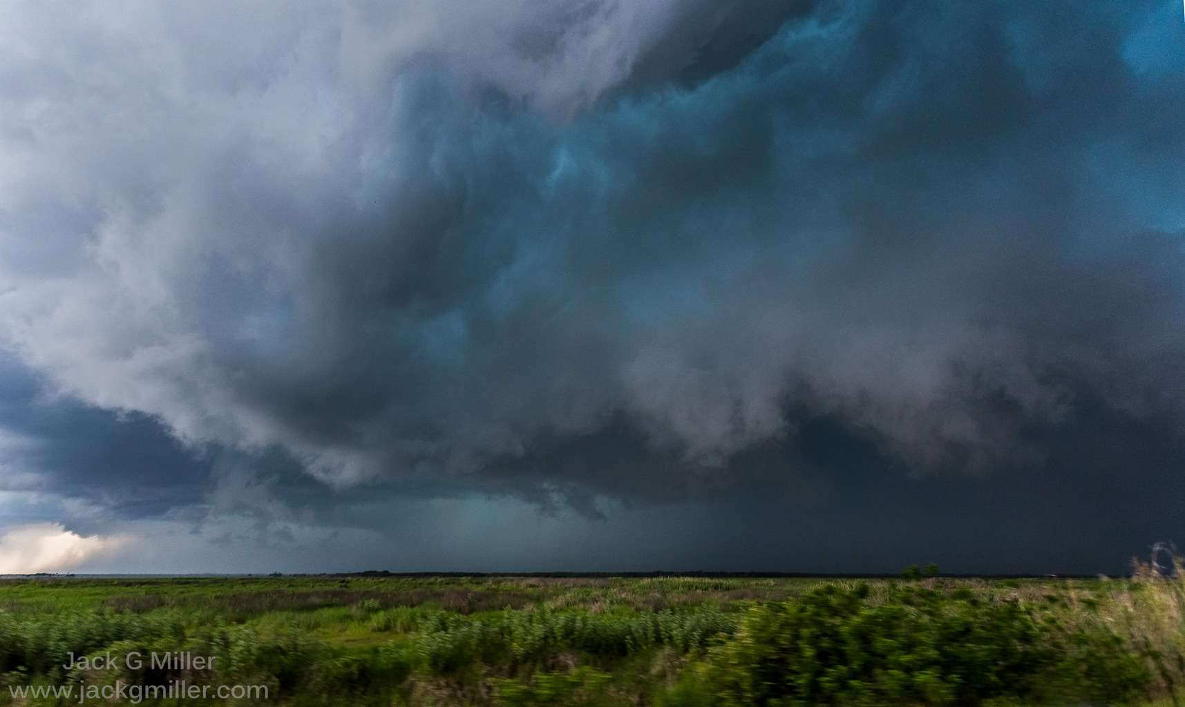 SVR warned hail producing storm over Oviedo, Fl today.