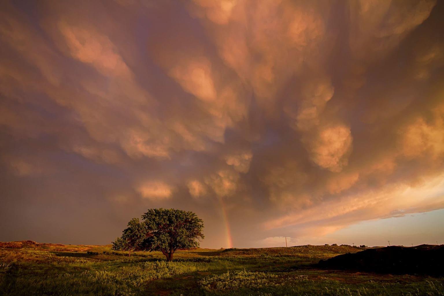 Mammatus Clouds Kinsley, KS 5-16-15