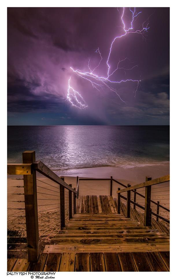 Something I shouldn't have forgotten about! It's good to look through older photos...as you might stumble across a hidden gem F5, 30 sec, ISO 100 , @11mm. — in Perth, Western Australia.