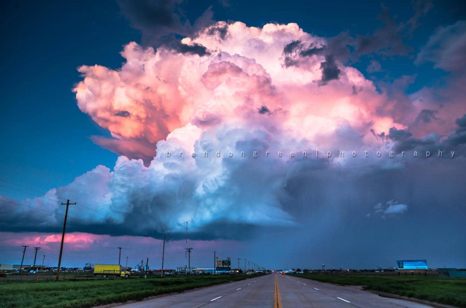 May 6th 2015 in Altus, Ok. Sun setting on evening thunderstorm.