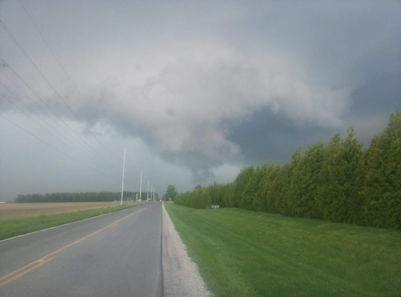 Tornado warned Supercell, Lrg rotating wall cloud n.w. ohio