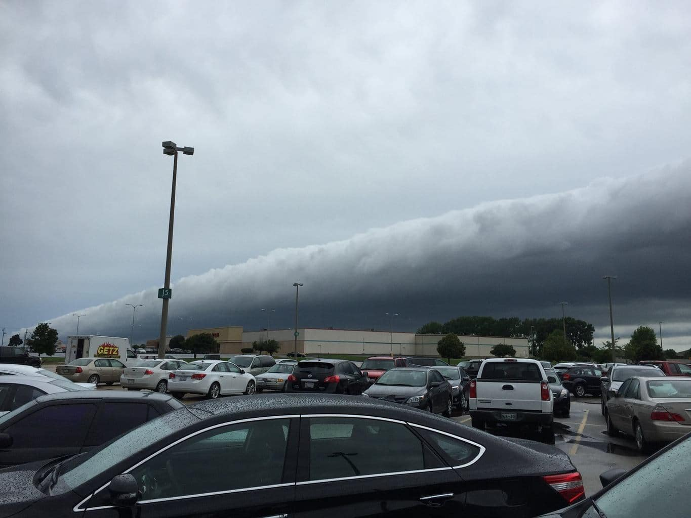 Cool roll cloud along north edge of long storm traveling SE along with the roll. Air temps dropped 5-10 degrees after this moved on by to the south-southeast.