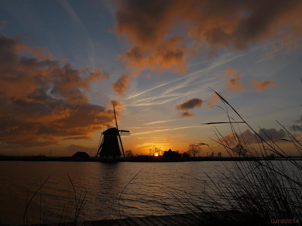 Sunrise in Holland (Europe) from a while ago. But I want to share this colorful image with you all.