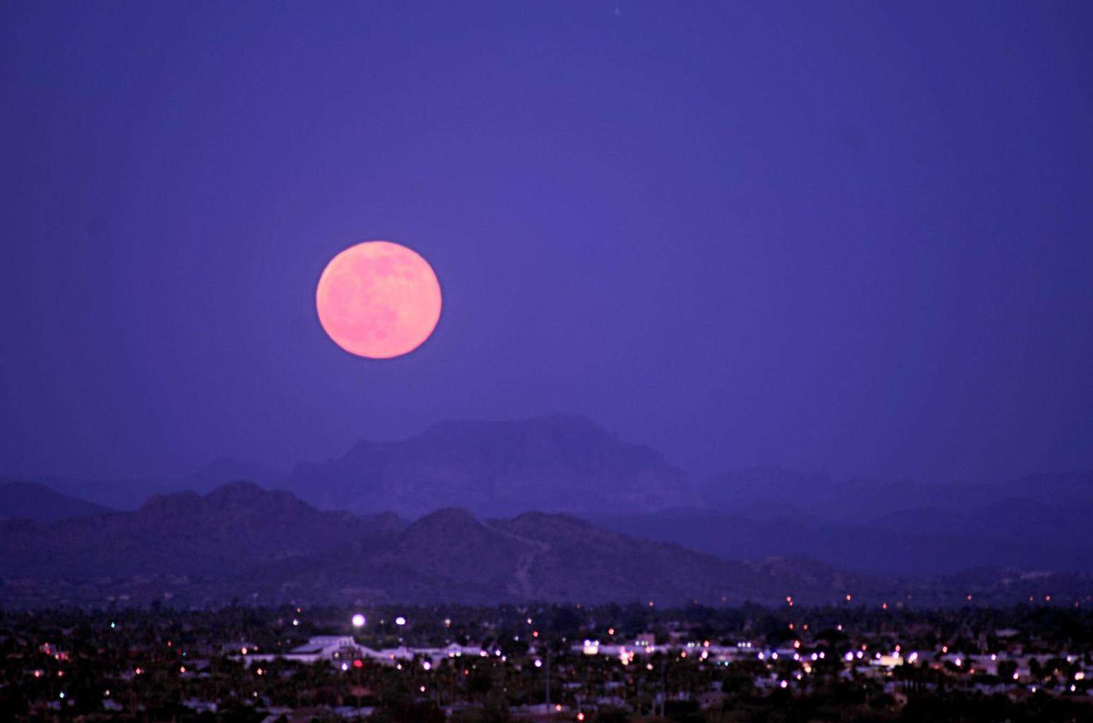 The strawberry moon Mesa AZ.