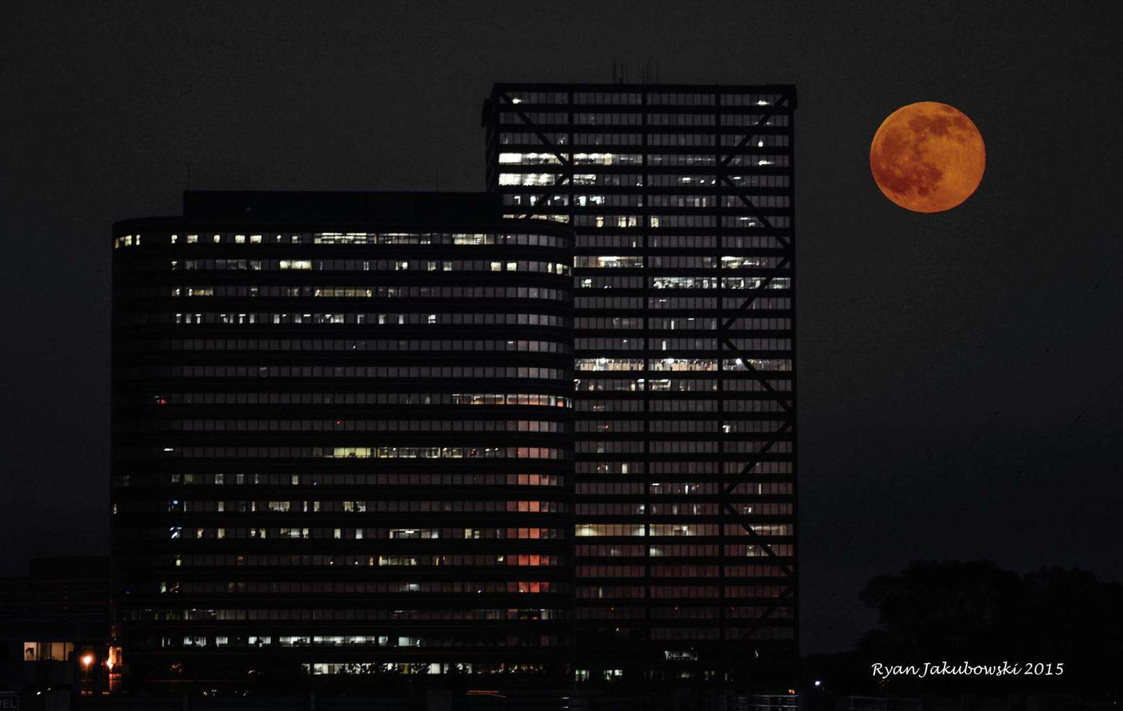 """Strawberry Moon"" - Tonight over Southfield, MI. Probably one of my favorite shots, the color was simply amazing. Unedited color of moon."