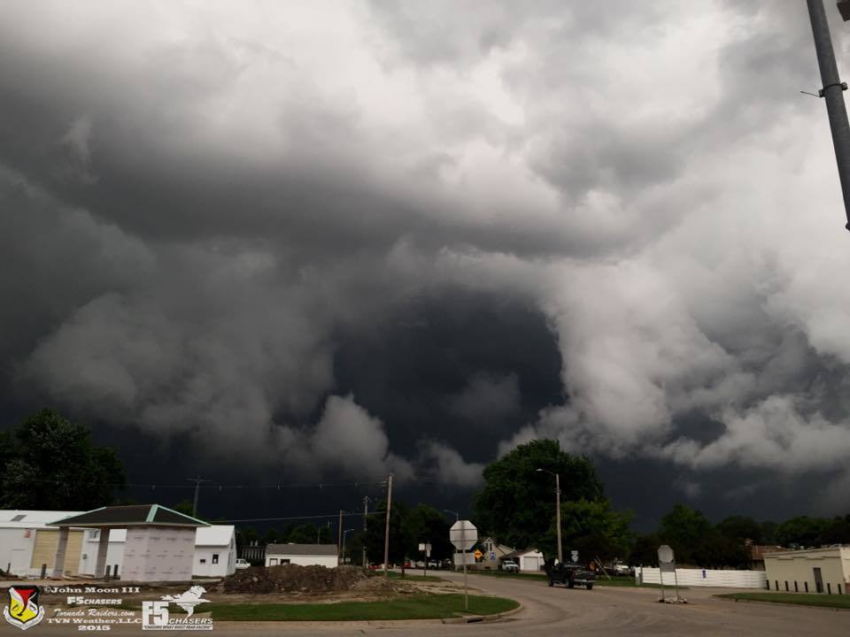 Taken yesterday in Greenfield,IA. This was a tornadic storm. The storm just looked evil!!! Myself and Chris Collura were filling up with gas when this was descending towards the town. The wind shifted at the surface and you can see a lowering deeply embedded. The circulation was really rotating rapidly it just did not reach the ground!!!