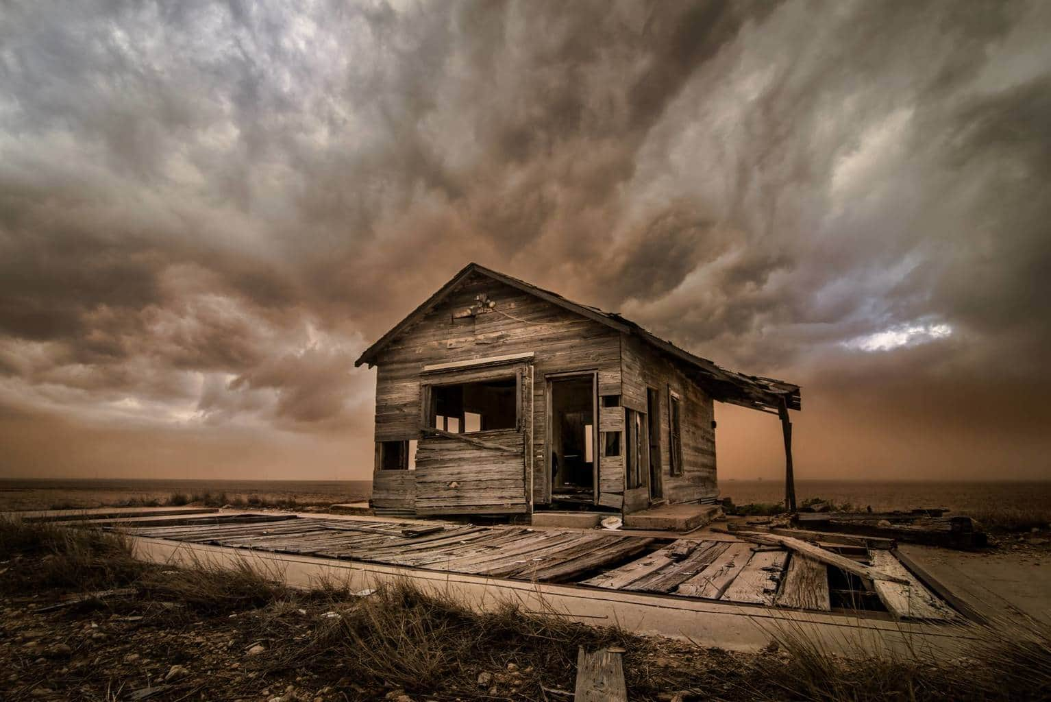 Haboob, its just fun to say..... North of Sweetwater Tx this storm was tornado warned a few minutes prior and cranking out winds over 80mph... General consensus is that its an old weigh station, feel free to share on fb please give a photo credit...