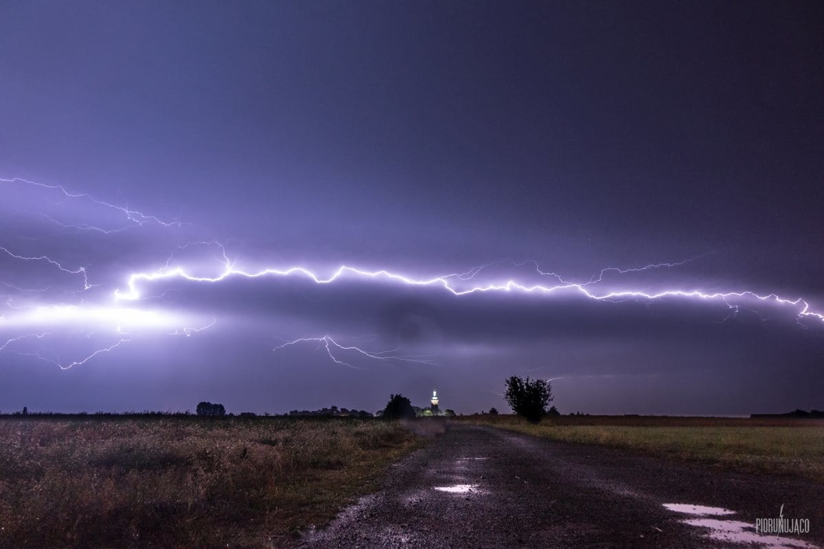 Anvil crawler over Greater Poland, region of west-central Poland. 8 July 2015.