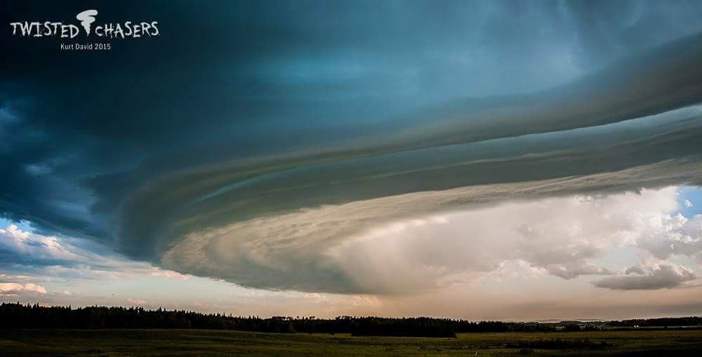 Shelf Cloud Facing SW July 3rd, 2015 NW of Rimby, Alberta, Canada