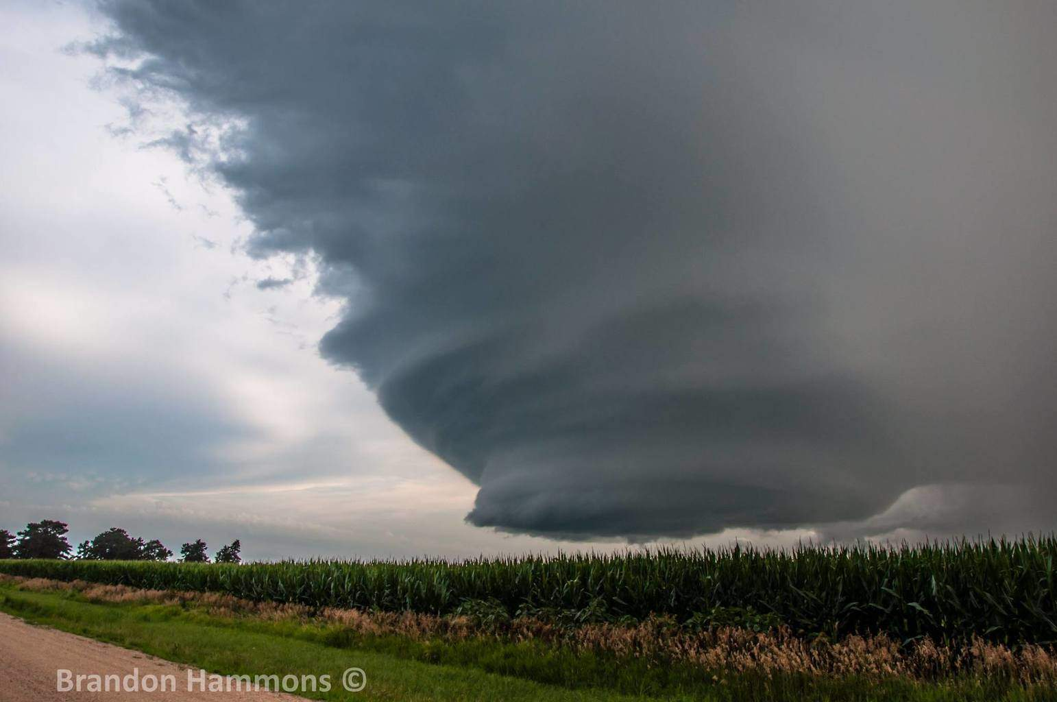 "Mothership structured supercell, ""hovering"" over a cornfield near Red Cloud, NE (July 15, 2015)"