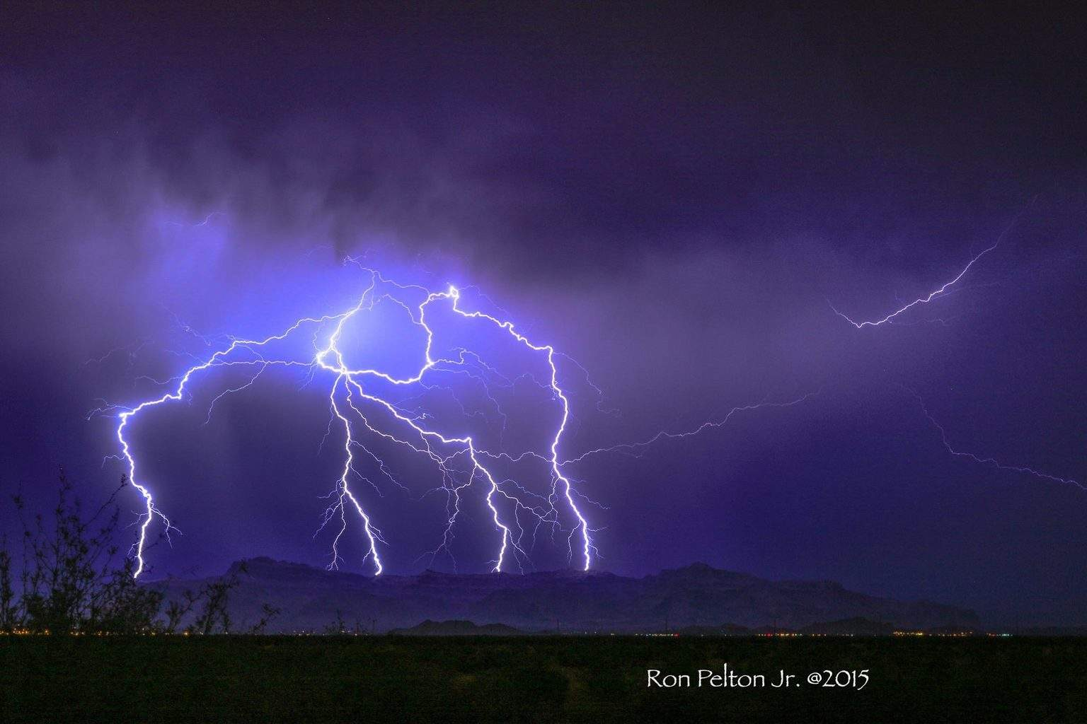 One killer of a night for lightning shooting in Apache Junction/San Tan Valley. Superstition Mountains getting hammered with CG'S