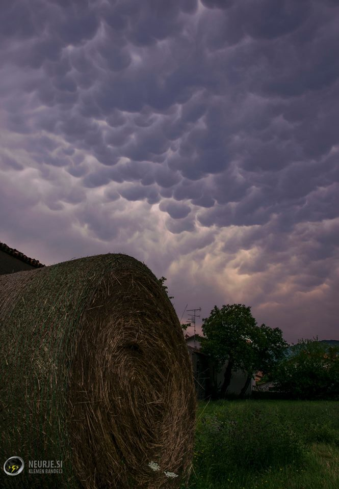 Fantastic afternoon display of mammatus clouds in SW Slovenia today