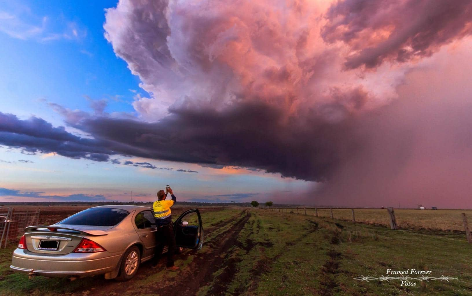 Well this little lovely storm was nearly a year ago. Michelle Megs Chris an I where sitting in the heat at Warwick Rodeo watching these storms Build. We girls followed Chris on a quick chase from Warwick to Allora. This was taken as the Sun was going down. Can't wait for this year. Am hoping to get a action shot at Warwick with a storm in the back ground. One can dream and Hope. Australia SEQld