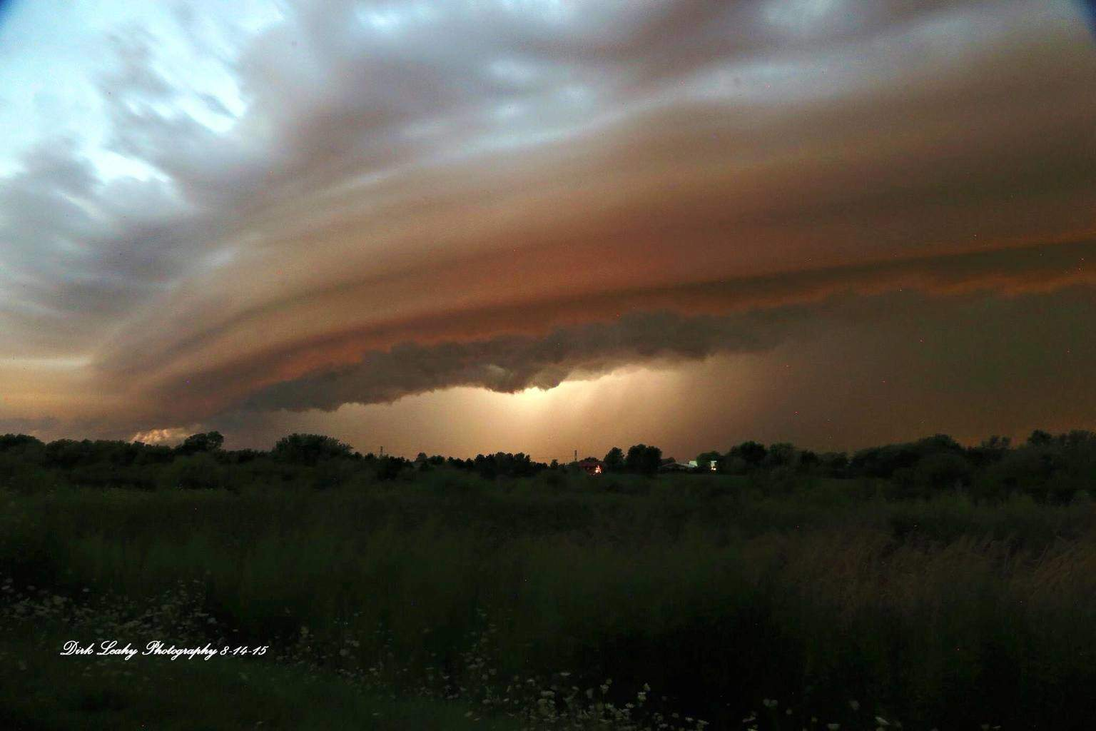 Here is my best shelf shot yet. This was taken from Wauconda, Il this evening as a strong set of storms was moving through this brought 50MPH wind gusts, hail and lots of lighting to Northern Illinois this evening where we had sporadic power outages in the area from the strong winds.