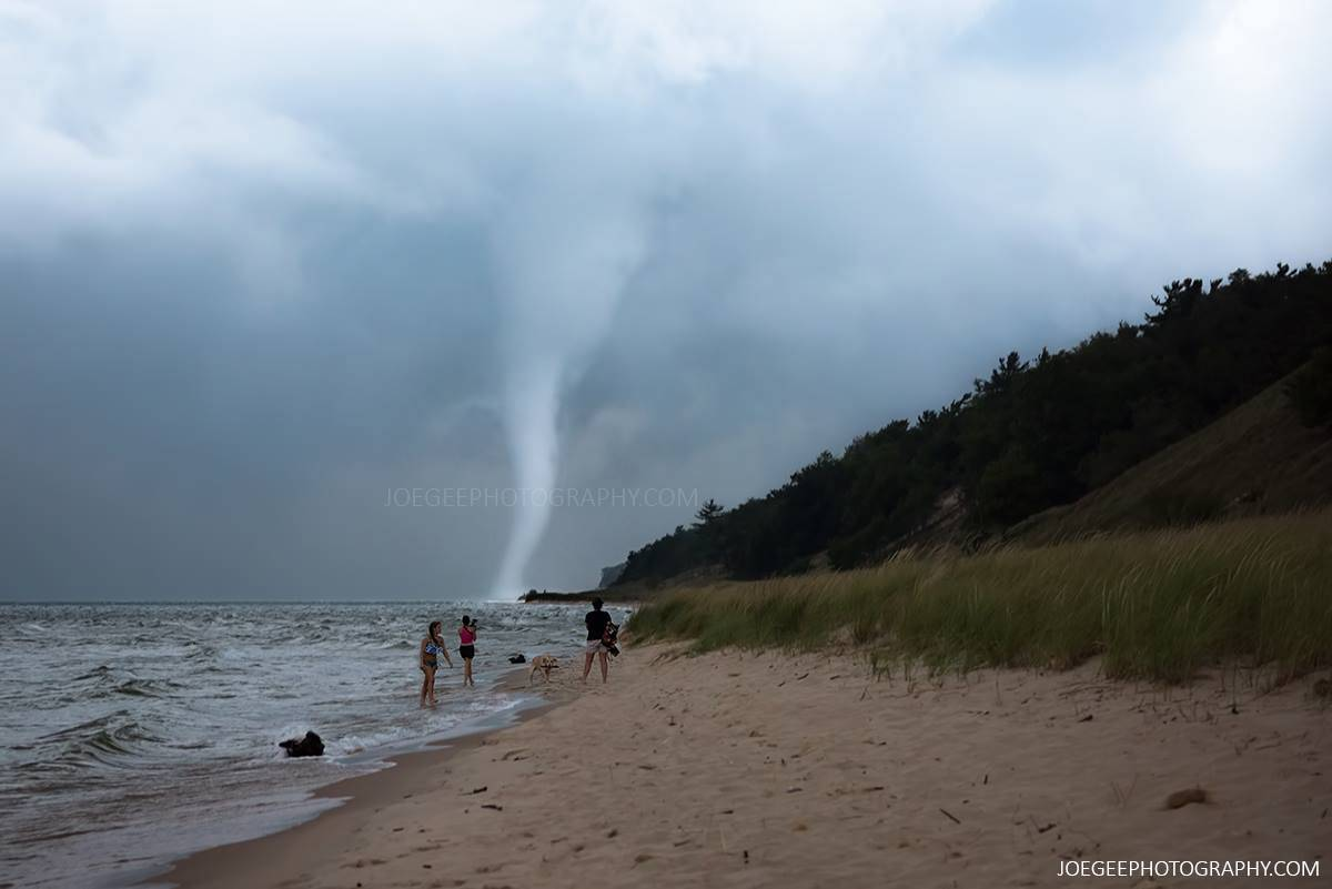 Water spout at the #Muskegon State Park Last night. Featured on several news networks including Good Morning America this morning