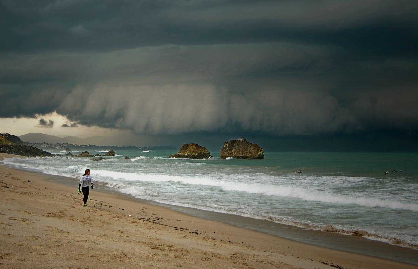 Zoom on the claws of an epic shelf cloud which raged on the Basque Cost, France, on April 18th of this year.