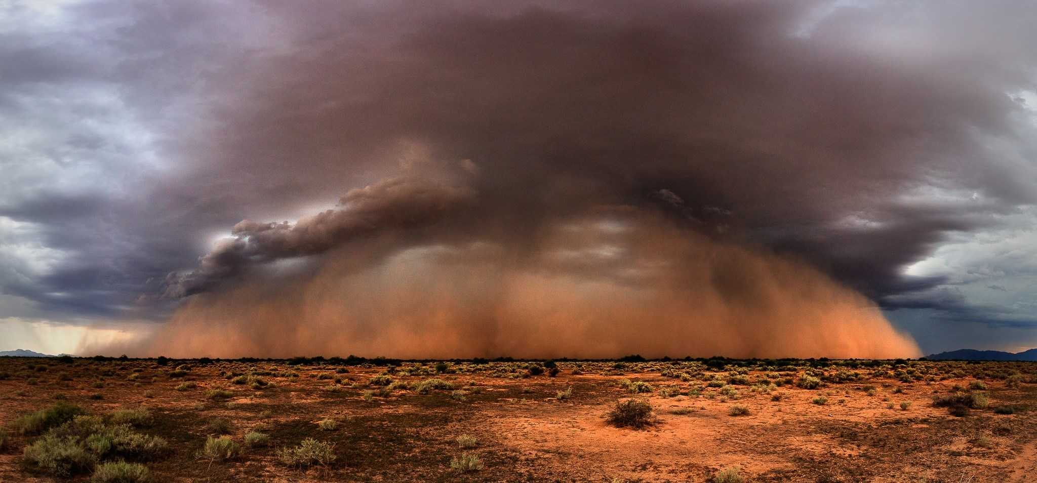 A beautiful haboob yesterday south of Phoenix! Been waiting for a photogenic one all summer, finally happened