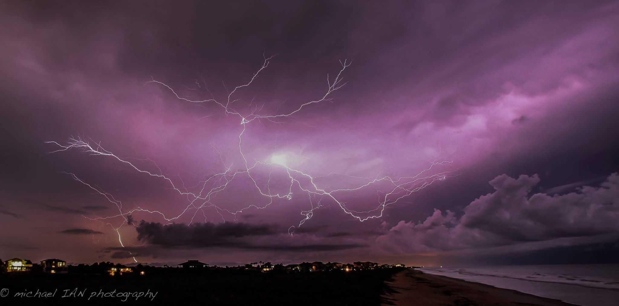 Nice little storm on the coast of Palm Coast FL tonight, 8-18-15