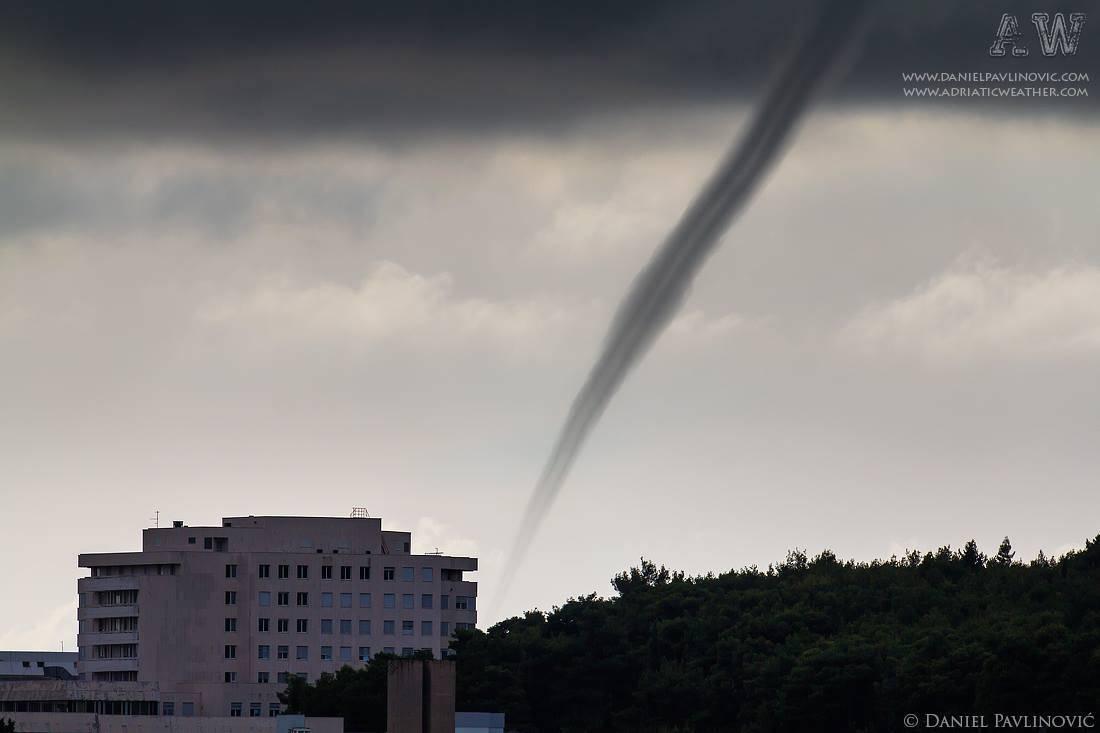 Waterspout behind Dubrovnik Hospital, 3 Nov 2012.