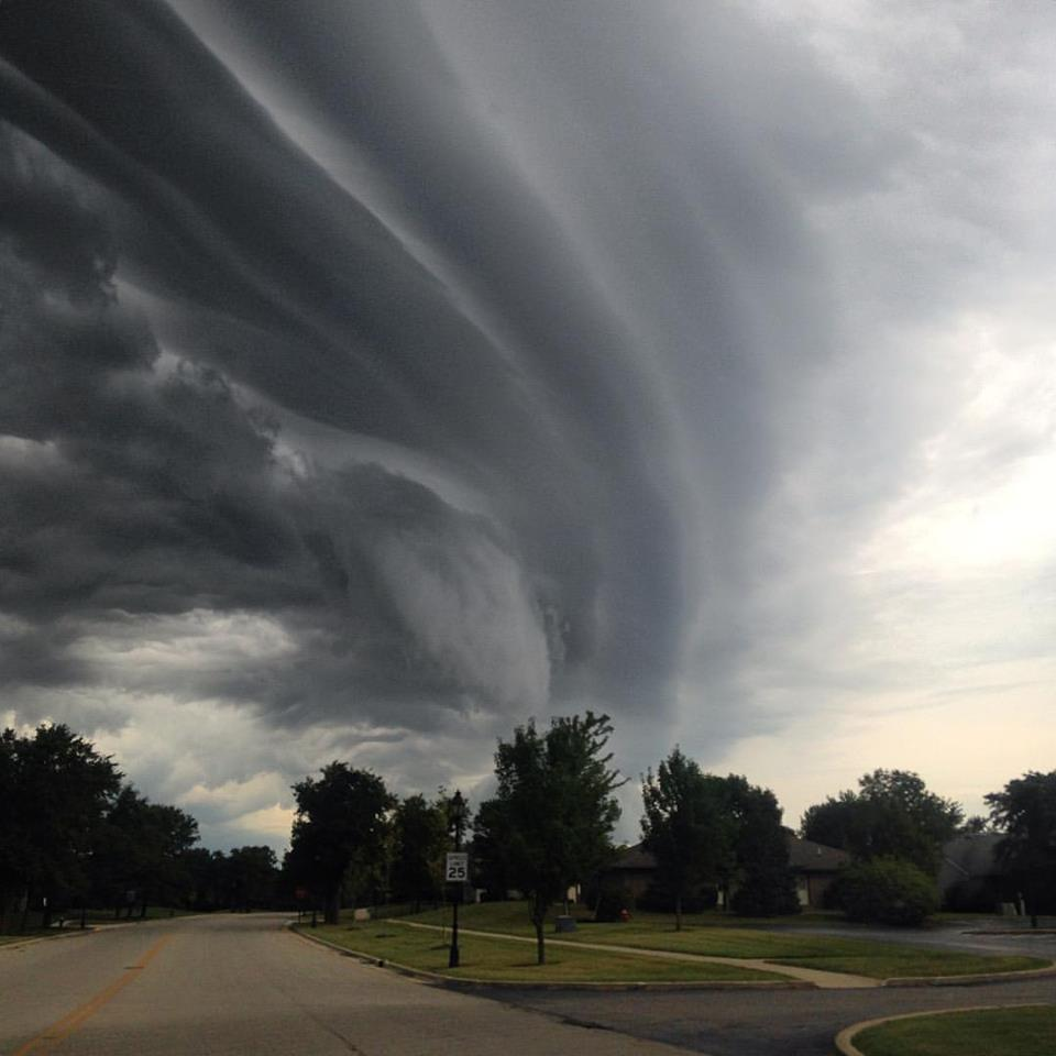 Pretty uneventful storm blew over...wife beat me in the photo contest...