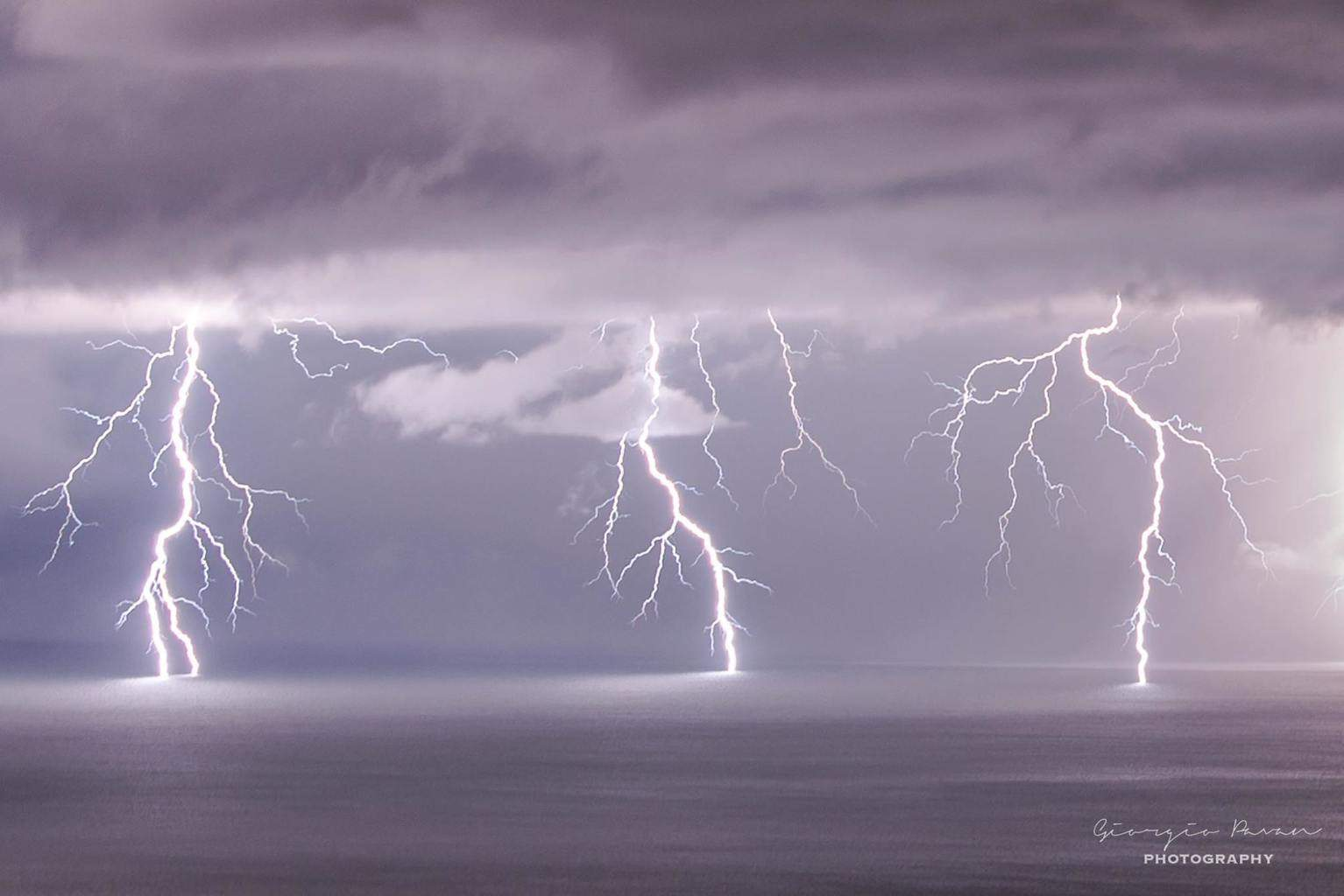 A quite good electric activity over Trieste Gulf, Ne Italy on Sat night, sep 4, 2015.