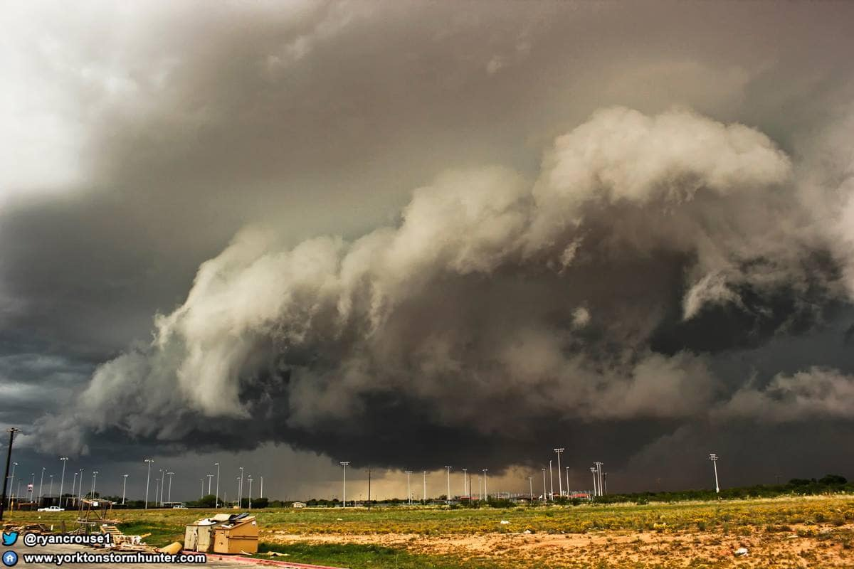 The BEAST over head!! Photogenic Storm System near Big Spring, Texas on Mon. May 26, 2014.